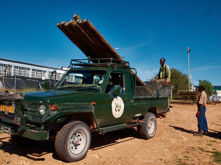 Mit diesem Land Rover wirde ich abgeholt.