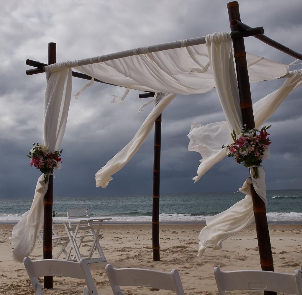Hochzeiten werden hier am Strand gefeiert ...